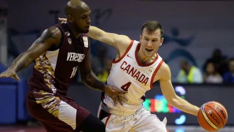 Brady Heslip leads well-balanced offence as Canada routs Chile