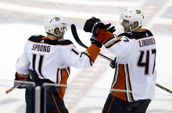 Sprong's goal in OT lifts Ducks over Blue Jackets