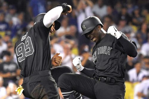 Yankees bash Dodgers into submission to snap skid