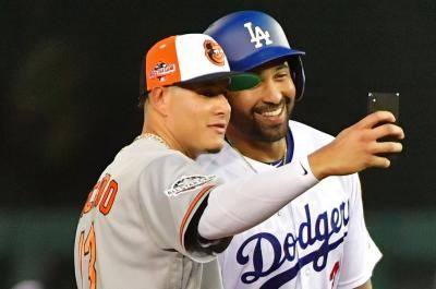 Orioles ship Manny Machado to Dodgers for five prospects