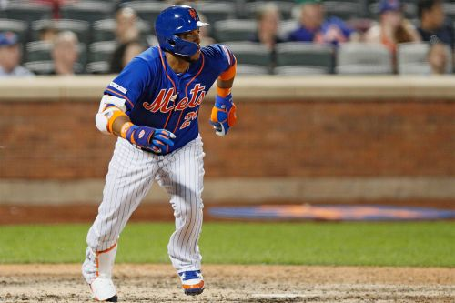 Robinson Cano hustles, then exits with injury in Mets' twist