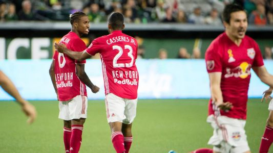 Red Bulls blank Timbers, close in on playoff bid