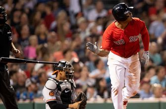 Rafael Devers slaps 26th home run over Green Monster, stays red hot in Red Sox win