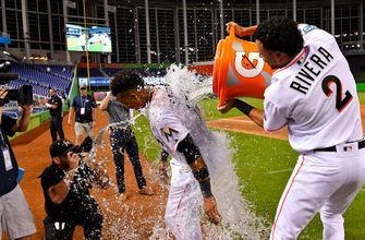 Starlin Castro helps Marlins take series over Brewers with walk-off win