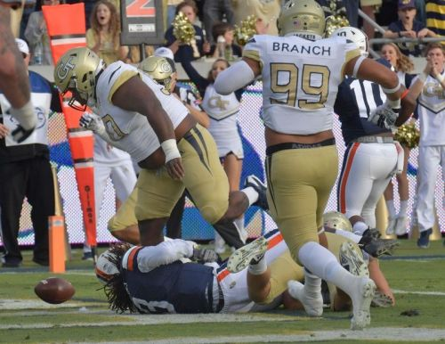 Offense stalls, so Georgia Tech wins with defense