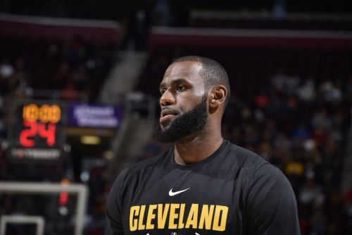 Lakers Exec: LeBron James to Play Center