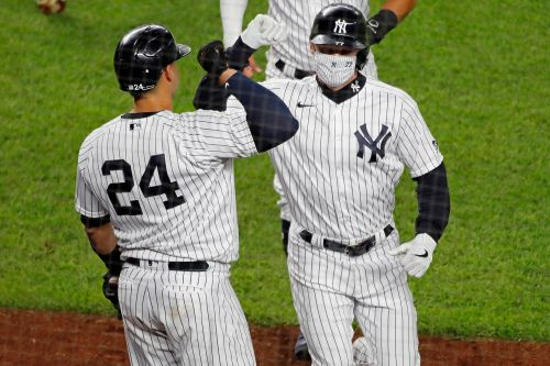 Yankees hang 20 runs on Blue Jays in pivotal win