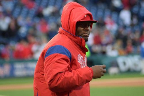 Watch: Phillies' Hector Neris suspended for intentionally throwing at Dodgers' David Freese