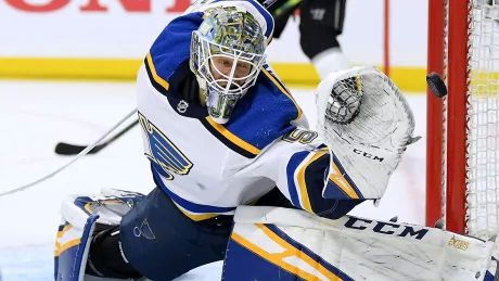 Binnington backstops Blues to franchise record-tying 10th straight win