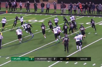 Playoffs, Semifinals: Cameron Davis takes it outside for a 24-yard Upland touchdown run