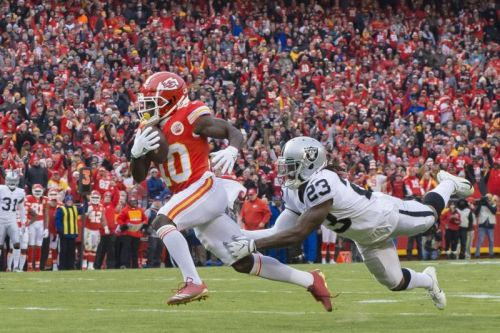 Chiefs' Tyreek Hill meeting with NFL investigators Wednesday
