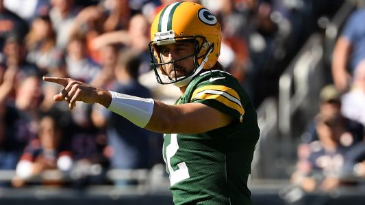 Packers' Aaron Rodgers taunts Bears fans with a factual reminder to NFC North rivals: 'I own you!'