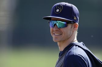 Brock Holt guaranteed $3.25M by Brewers