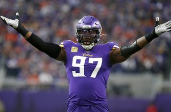 AP source: Cowboys agree to deal with pass rusher Griffen