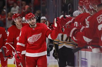 Fabbri scores twice in 1st game, Red Wings beat Bruins 4-2