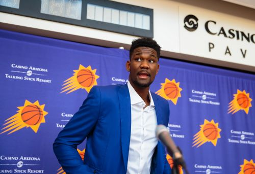 Moore: Deandre Ayton will prove centers remain as relevant as ever in the modern NBA