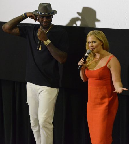 Lakers star LeBron James sells idea to Paramount on new comedy film