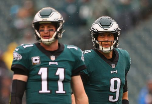 Who is a better fit for the Philadelphia Eagles: Nick Foles or Carson Wentz?