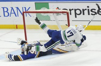 Blues surrender 3-1 lead, fall 4-3 to Canucks in shootout