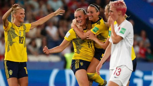 Sweden emerge as World Cup dark horse to advance to quarter finals
