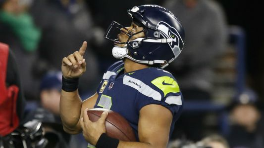 Russell Wilson asks Jadeveon Clowney to return to Seahawks: 'I need you homie'