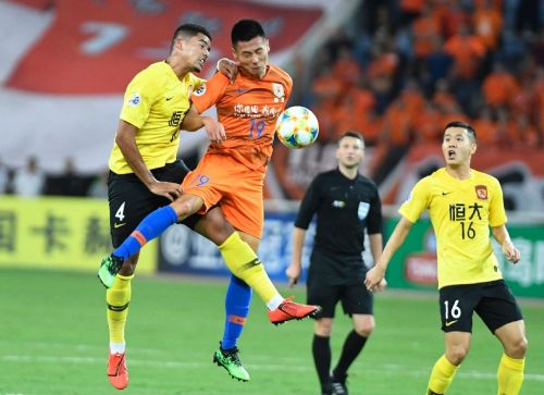 Penalty drama as Chinese giants Evergrande reach Asia's last eight