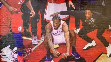 Are life-sized murals, MVP chants, free meals enough to keep Kawhi in Toronto?