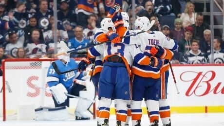 Jets can't keep up with Mathew Barzal's 2-goal performance in loss to Islanders