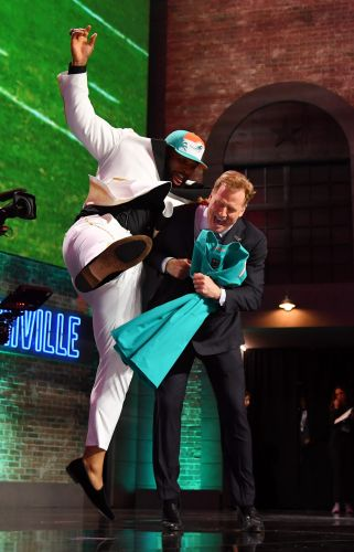 Bro hugs, daps and fist bumps could return at 2021 NFL draft since Roger Goodell is vaccinated