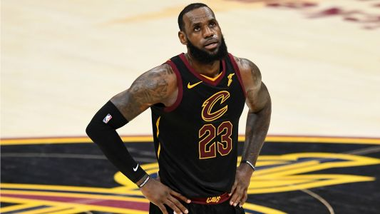 Clippers' Jerry West: 'LeBron was not a tough free-agent signing'