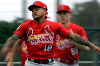 Cardinals shut down Carlos Martínez for two weeks