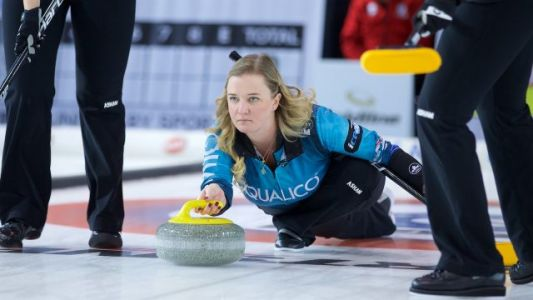 Lynn Kreviazuk set for new challenge playing third with Team Balsdon