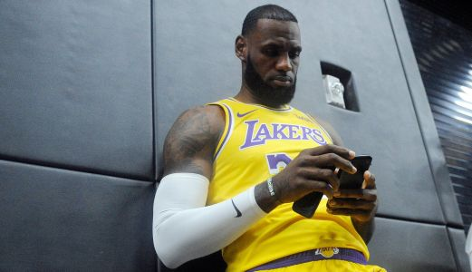 Report: LeBron expected to wear Cavs-colored shoes in Lakers debut