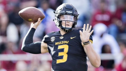 Broncos' Drew Lock avoids holdout, signs rookie contract, report says