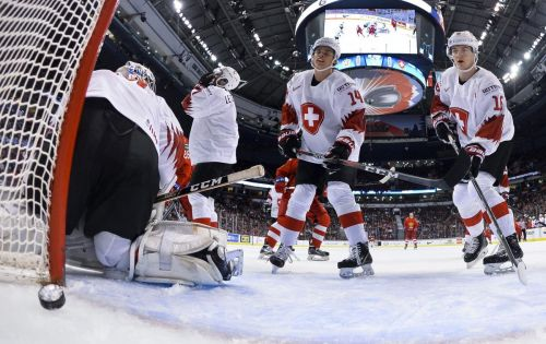 IIHF mulls move to NHL-sized ice for world tournaments