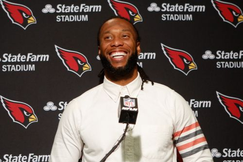 Larry Fitzgerald will return to Cardinals for 17th season