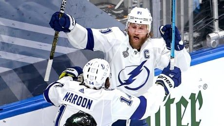 Lightning captain Steven Stamkos scores on 1st shot in return from injury