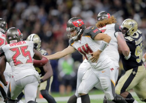Who should start for the Bucs: Ryan Fitzpatrick or Jameis Winston?