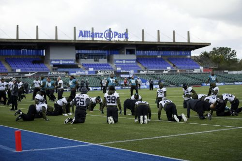 4 Jaguars' players detained in London over bill restitution prior to matchup with Eagles