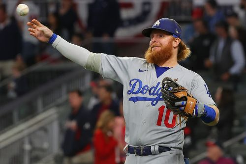Banged-up Justin Turner available to start for Dodgers in NLCS Game 3