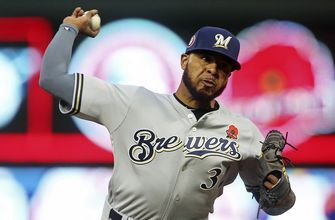 Chicago Cubs reach deals with RHP Jeffress, OF Souza