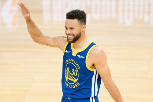 Opinion: Steph Curry's streak so transcendent because Warriors so futile without him
