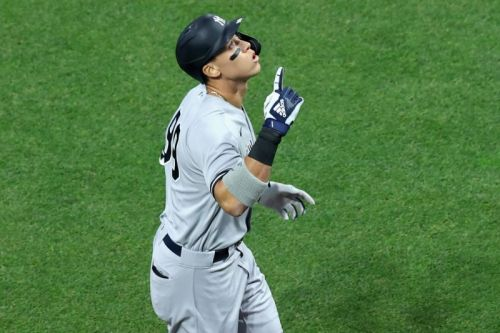 MLB playoffs: Yankees blast Indians, Shane Bieber in Game 1