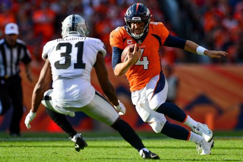 Case Keenum good enough to keep Broncos close in road test