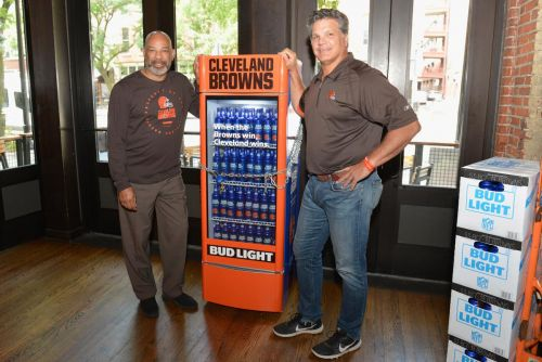 Cleveland fans will get free beer for the first Browns' victory