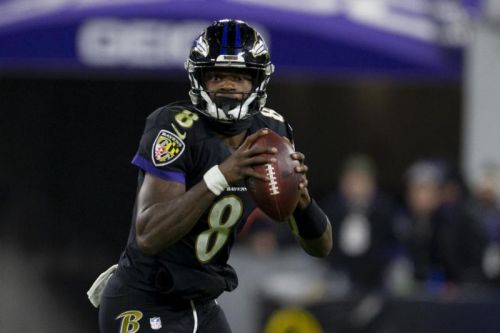 Lamar Jackson breaks NFL rushing record; Ravens smash Jets