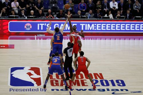 Knicks' last-second goaltend gives Wizards win in London