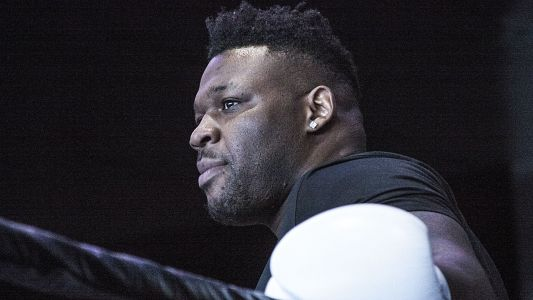 Jarrell 'Big Baby' Miller tries to force fight with Anthony Joshua, unleashes crude trash talk