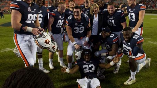 Auburn helps deserving senior class to one final victory at Jordan-Hare Stadium