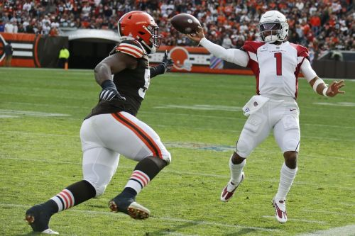Fill-ins lead first-place, unrattled Cards & Raiders to wins